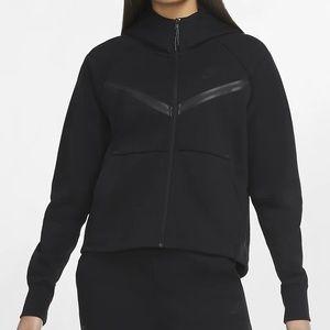 The Nike Sportswear Tech Fleece windrunner
